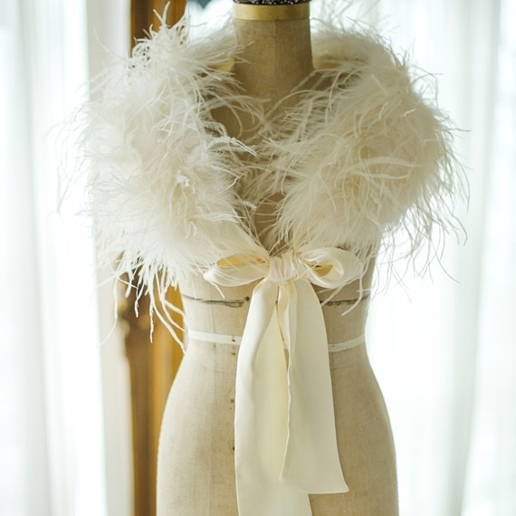 Mariage - Ostrich Feather Stole, vintage stole, bridal accessories,ivory feather stole, Hollywood Glamour, Bridal Dress, Evening Shrug Ivory