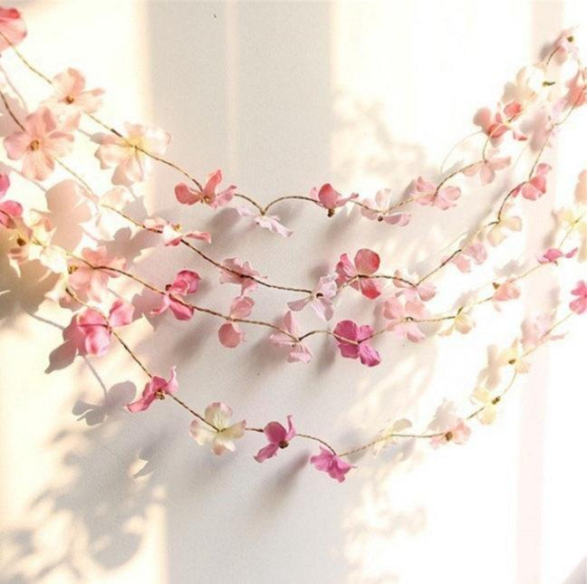 Свадьба - Rustic Flower Garland - Hydrangeas Flower Pedals (Different Colors Available)