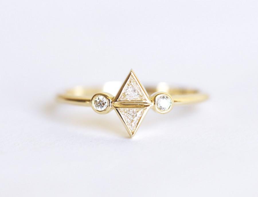 Mariage - Diamond Trillion Ring, Trillion Engagement Ring, Unique Engagement Ring, Triangle Diamond Ring, Dainty Diamond Engagement Ring, 14k