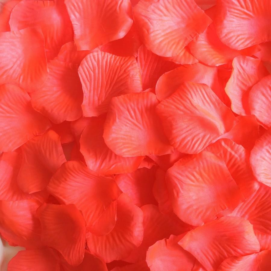 Hochzeit - 1000 Coral Rose Petals Artificial Flower Petals For Wedding Party Aisle Decor Coral Wedding Table Decorations Centerpieces