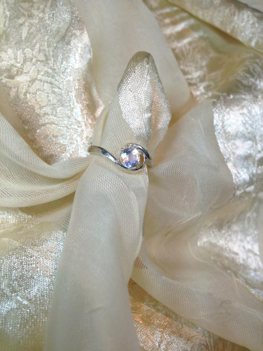 Mariage - Swirl Engagement Ring Rainbow Moonstone in Sterling Silver