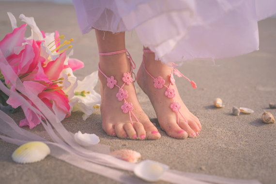 Свадьба - Girls Shoes- Toddler Barefoot Sandals- Baby Foot Jewelry- Beach Wedding- Footless Sandal- Barefoot Wedding Sandal- Flower Girl Gift- Sandles