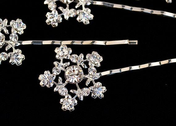 Hochzeit - Wedding Hair Accessory - Bridal hair pin - Flowers - Snowflake hair pin - Jules Crystal bobby pin set of 4