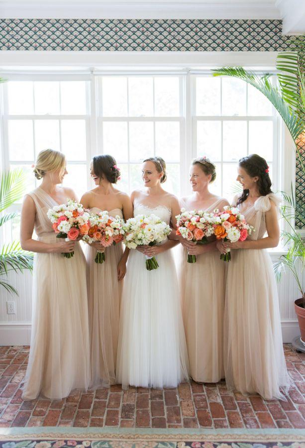 Свадьба - Colorful Shelter Island Summer Wedding