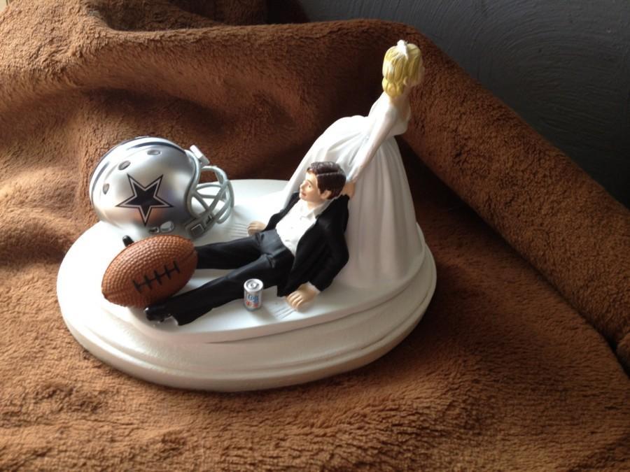 Свадьба - Cake Topper Bridal Funny Wedding Day Football  Dallas Cowboys NFL team  Football Themed with matching Bridal  garter