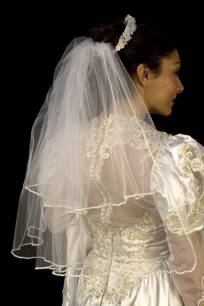 Hochzeit - Vintage White Rope Trimmed Tulle Wedding Veil
