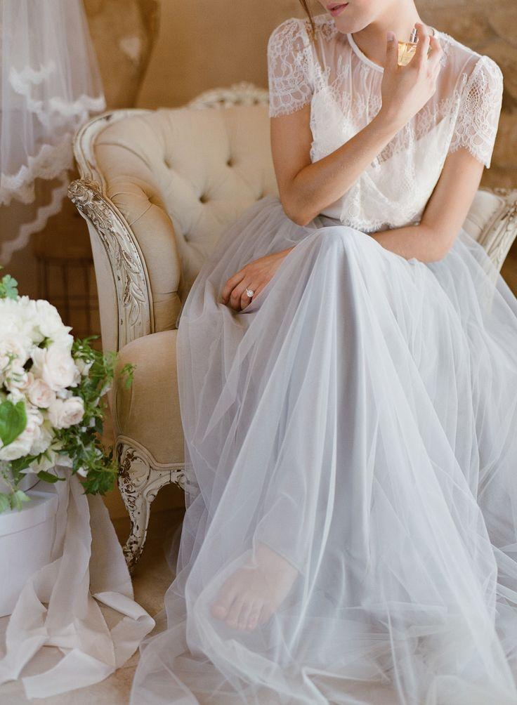 Hochzeit - Romantic Bridal Inspiration With Trousseau & Co