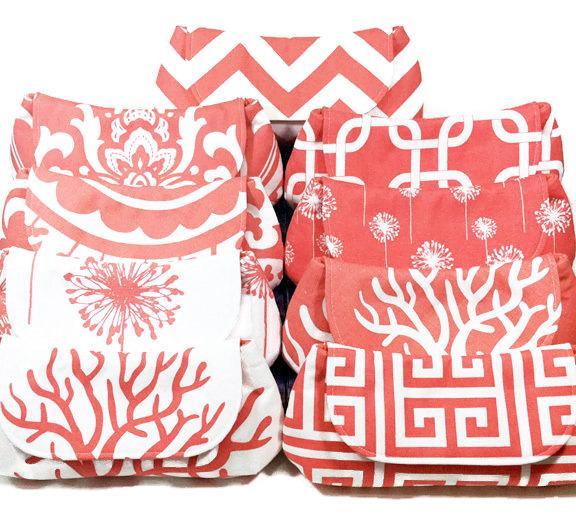 زفاف - Bridesmaid Clutches Personalized Clutches Choose Your Fabric Coral Salmon Peach Set of 5