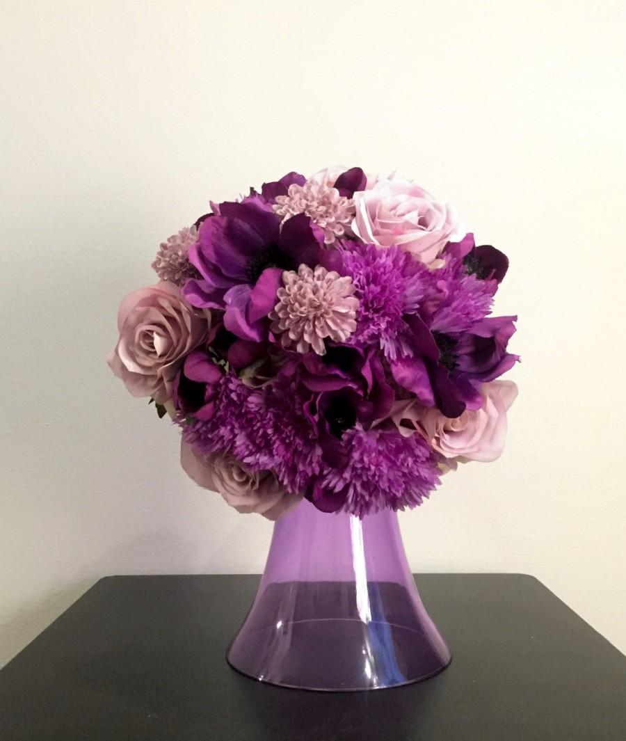 Свадьба - Purple Ombre Round Bridal (or Bridesmaid) Bouquet. Perfect for any season!