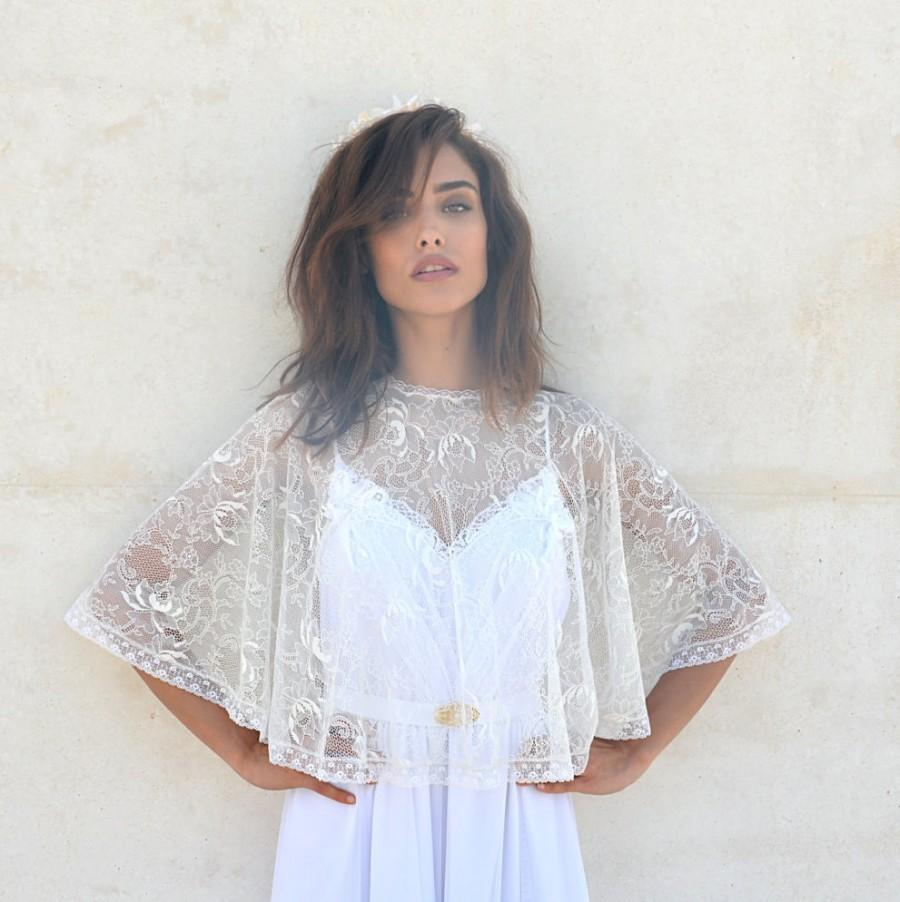 Mariage - Bridal lace cape, bride shawl with lace , lace shrug chic Capelet wedding cover