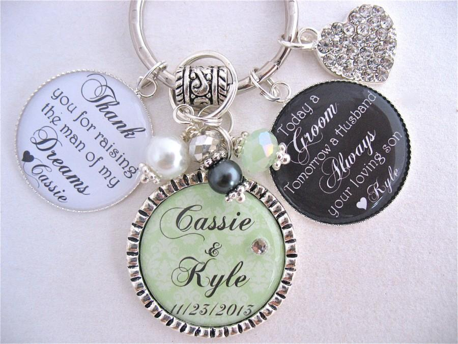 Свадьба - PERSONALIZED Mother of the Groom Mother of Bride Man of Dreams Charm Necklace Emerald Wedding Beach Jewelry Green Damask Mothers Day FROM US