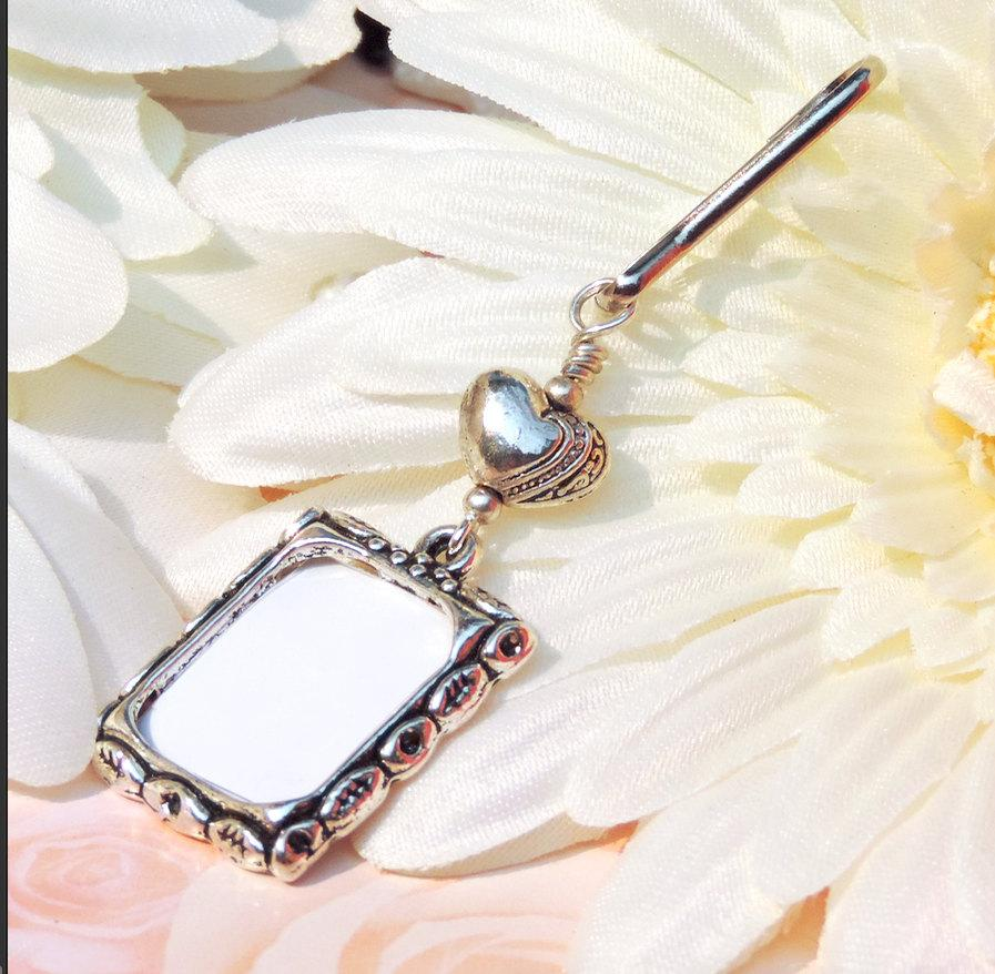 Mariage - Wedding bouquet charm. Wedding keepsake with small heart. Photo charm for a Bridal bouquet. Bridal shower gift. Gift for the bride.