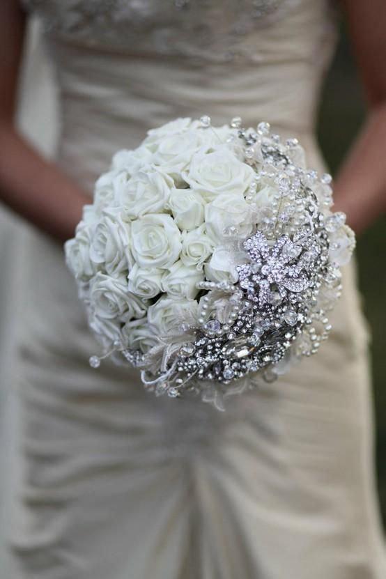 زفاف - All White Brooch Bouquets for your Wedding day! Silk White Roses, Crystals Classic and Elegant!