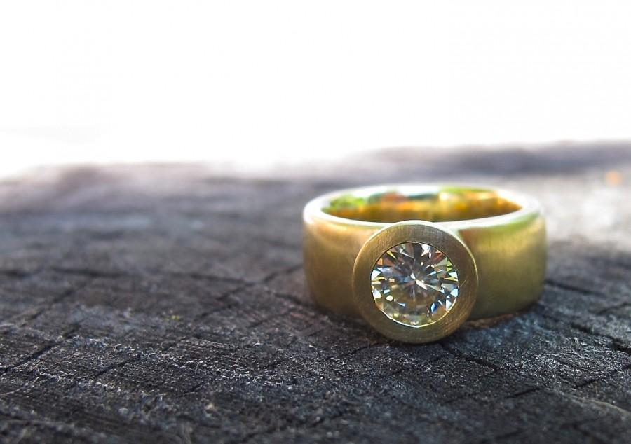 Mariage - Sunken Treasure Ring, 18kt gold wide band engagement wedding ring round, princess, emerald, and oval cut