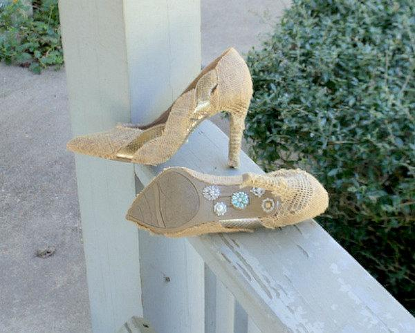Свадьба - Enthralling Wedding Shoes - Rustic Wedding - Burlap Wedding - Womens Shoes - Burlap And Lace - High Heels - Ladies Shoes - Gifts For Her