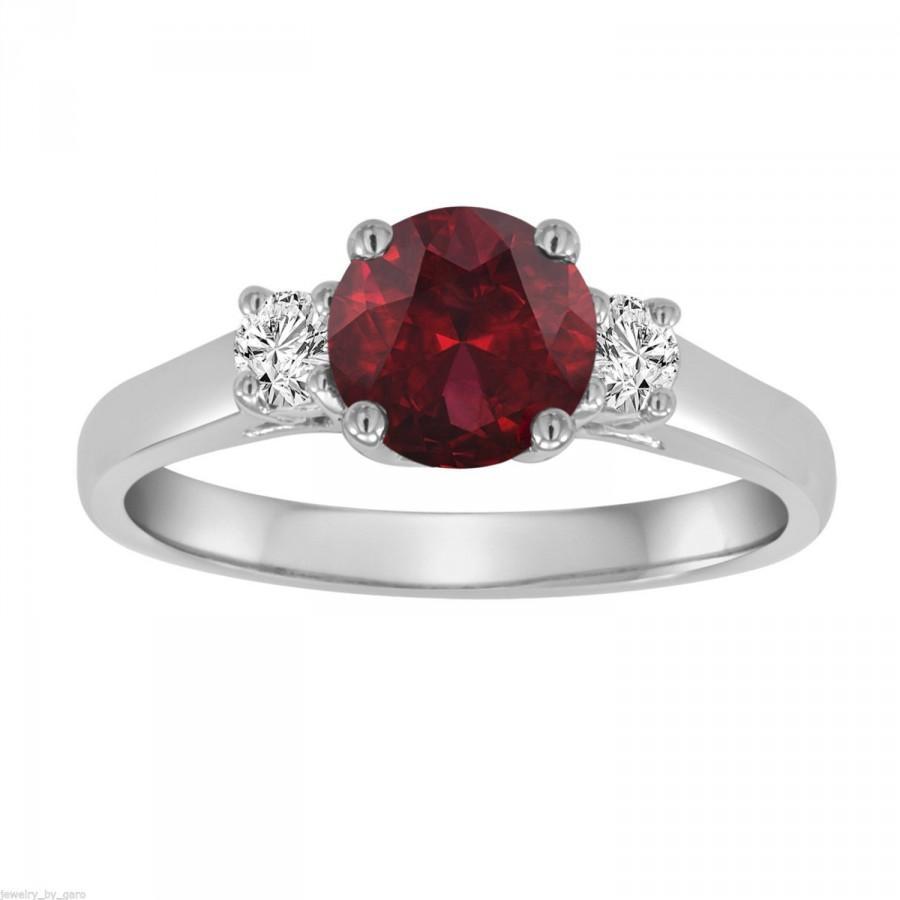 Mariage - Red Garnet & Diamond Three Stone Engagement Ring 14K White Gold 1.24 Carat Birthstone Handmade