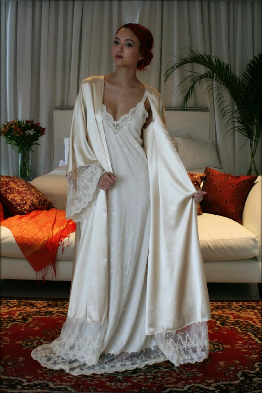 Свадьба - Fiona Champagne Satin Bridal Wedding Robe Bridal Lingerie Wedding Sleepwear Embroidered French Lace Robe Art Deco Luxury Lingerie