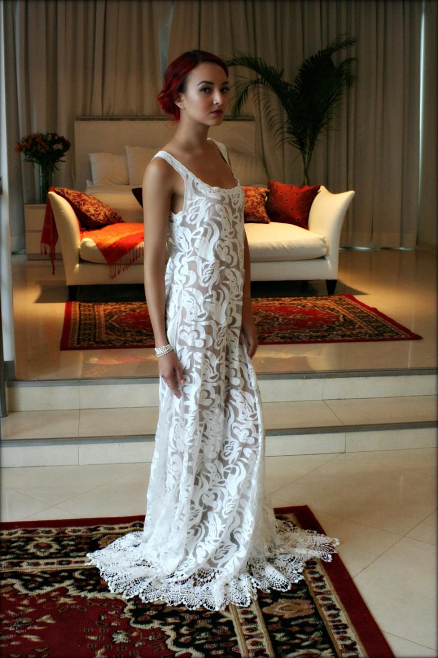 Mariage - Bridal Nightgown Embroidered Lace Callie Off White Wedding Lingerie Venise Lace Bridal Sleepwear Wedding Nightgown Art Deco Honeymoon