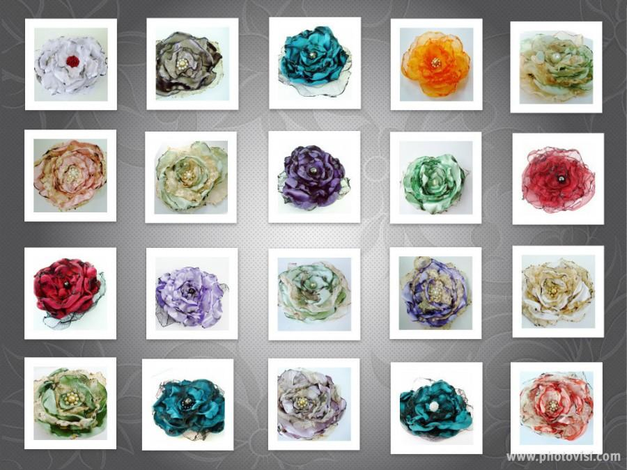 Mariage - Wedding Flower Hair Clips, Brooch, Wholesale Orders, Boutique Finds, Shabby chic flowers, Women, Girls, Bridal shower favors, Fundraisers