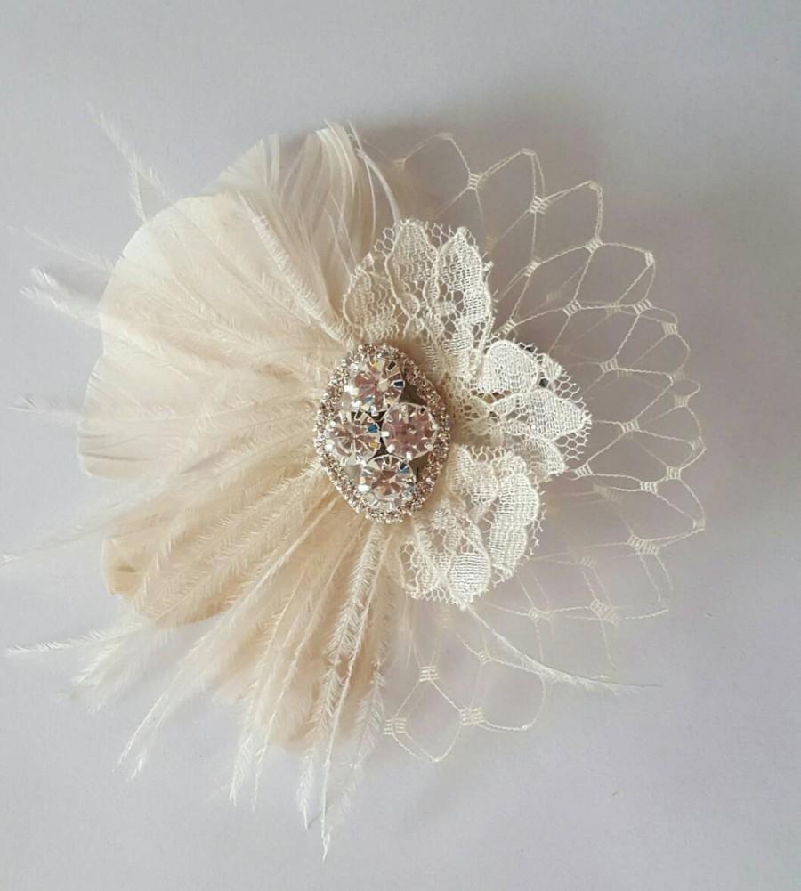 Mariage - Small Bridal Fascinator, Mini Feather Hair Clip, Wedding Hair Comb, Wedding Clip, Wedding Feather Hair Clip, Bridal Hair Comb, Mini, Small