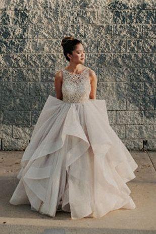 Wedding - 32 Strikingly Beautiful Wedding Dress Details