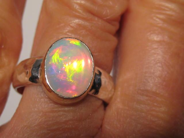 Mariage - Ethiopian Opal Ring ... Sterling Silver Hammered Band and  14 kt Gold ... Size  7 3/4       ......e853
