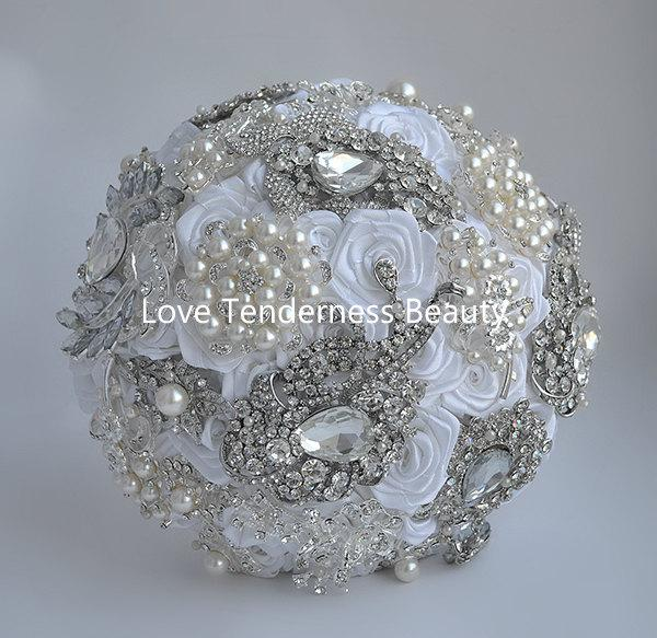 Свадьба - Wedding Brooch Bouquet, Bridal Bouquet, Jeweled Bouquet, White and Silver Wedding Bouquet, Rose Bouquet, Crystal Bouquet, Broach Bouquet