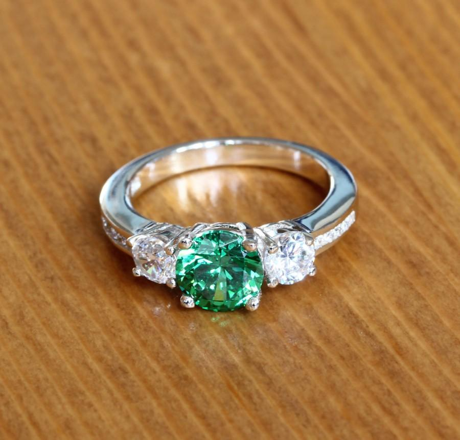 Emerald White Gold Trilogy Ring