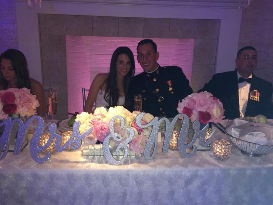 زفاف - Wedding Chair Signs - Mr & Mrs Signs for Wedding Chairs for Bride and Groom - Hanging Signs Decor - 3 Piece Set (Item - MCK200)