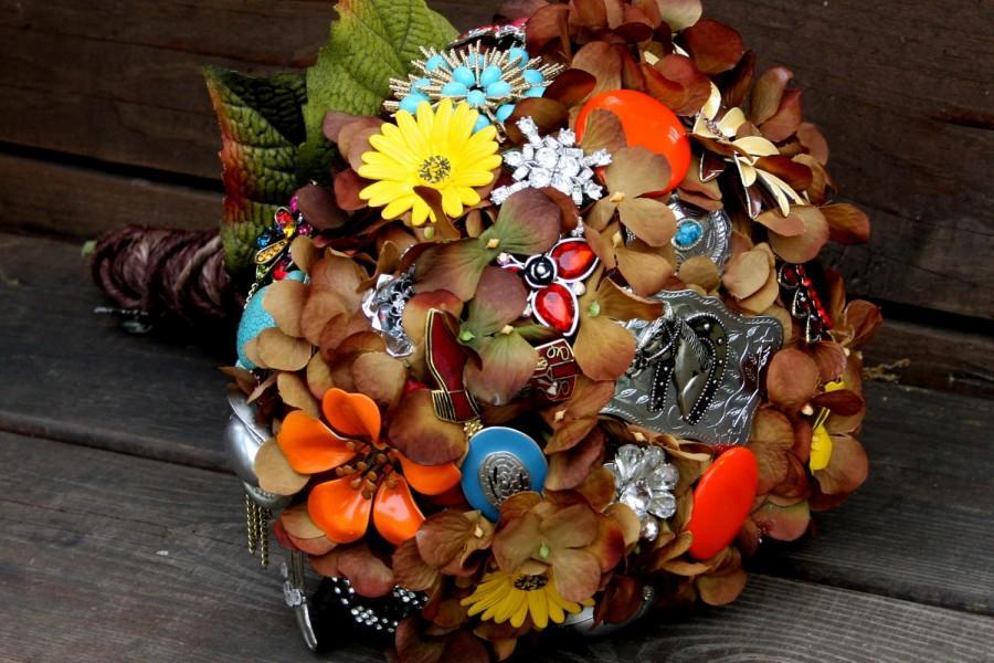 Hochzeit - Cowgirl Country Western brooch bouquet brown silk wedding bouquet