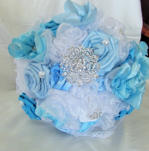 Mariage - On Sale! Bridal Bouquet fabric flowers with brooches-blue and white