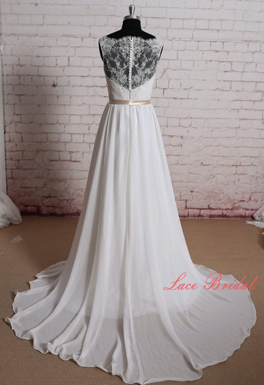 Gorgeous Lace Wedding Dress Sheer Lace Neckline Bridal Gown Simple ...