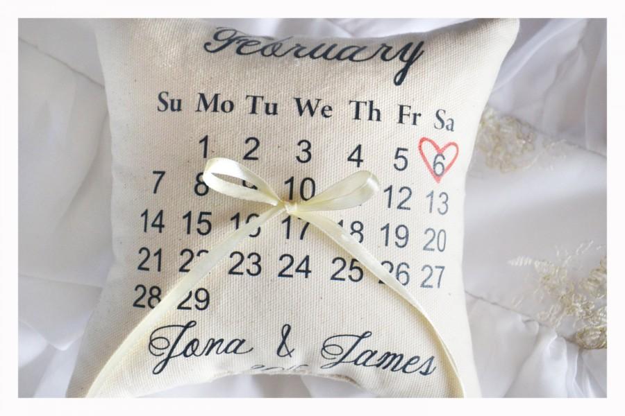 زفاف - Calendar ring bearer pillow, Personalized wedding pillow, calendar Wedding ring pillow ,personalized ring pillow, save the date pillow (R6)
