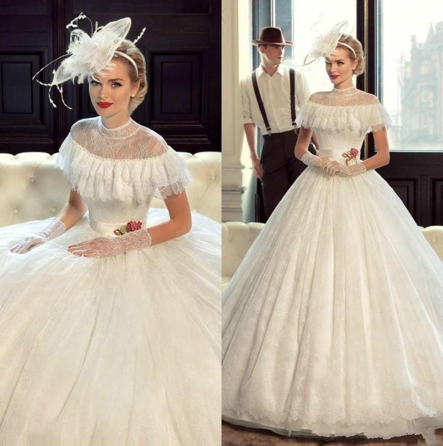 Princess victorian wedding dresses lace 2016 sheer short for Period style wedding dresses