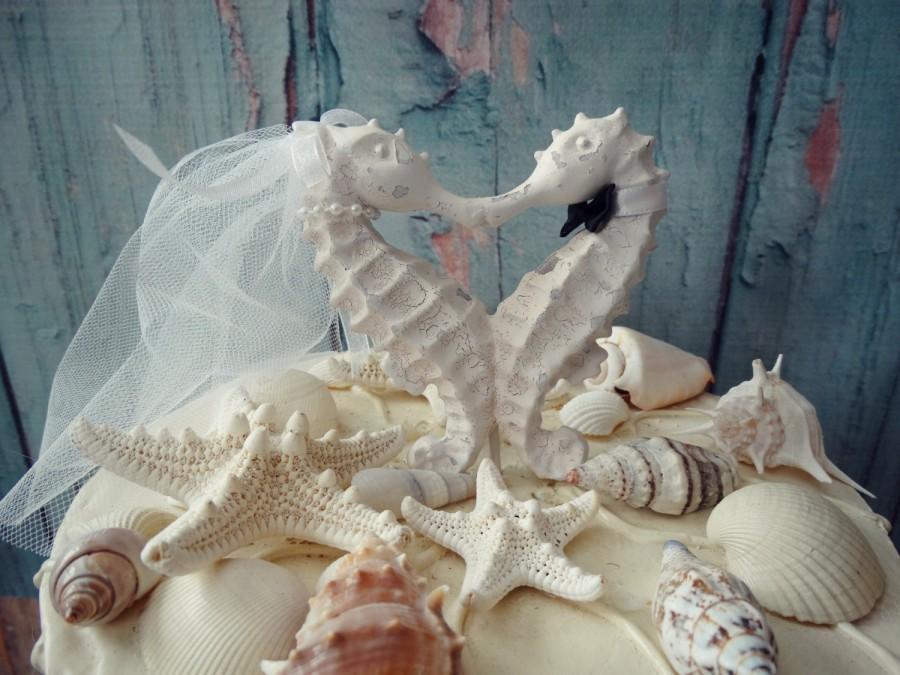Mariage - Seahorse Wedding Cake Topper-white-ivory-bride groom-Seahorse cake topper-Kissing seahorse wedding cake topper-something blue-Beach wedding