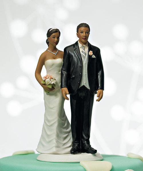 Mariage - Love Pinch AA Bride and Groom Ethnic Wedding CakeToppers -African American Couple Romantic Customized Porcelain Personalize Fun Figurines
