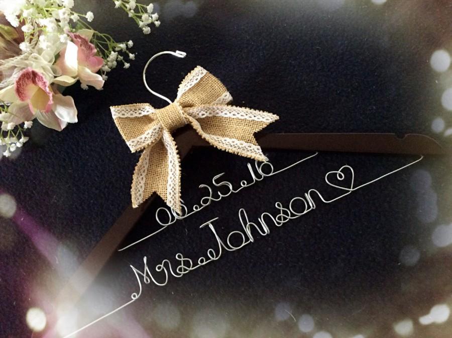 Mariage - Grand Opening !!l-Burlap Personalized Bridal Hanger,rustic wedding hanger, burlap Wedding Hanger, Bridal shower Gift, personalized hanger
