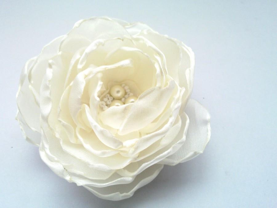 Свадьба - Wedding Hair Flower ,Bridal Fascinator,Ivory Bridal Flower Clip,Wedding Hair Accessories, Flower Hair Clip, Fascinator Pearls  Headpiece