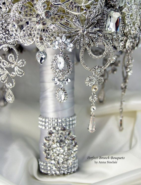 Свадьба - Diamond Brooch Wedding Bridal Bouquet. DEPOSIT On A Made To Order Bouquet. It Shines Like A Diamond. Old Hollywood Gatsby. Bling From Anna Sinclair