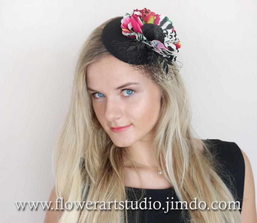 Свадьба - Kentucky derby hat, Multicolor silk flower, Black fascinator, Black and White Headpiece, Mini Hat, Cocktail Hat, Black Top Hat, Pillbox Hat.