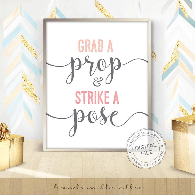 Свадьба - Grab a prop and strike a pose, photo booth wedding display, ready-to-print sign, photo booth props, wedding signs, DIGITAL download JPG