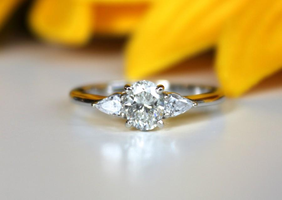 engagement ring accented rings