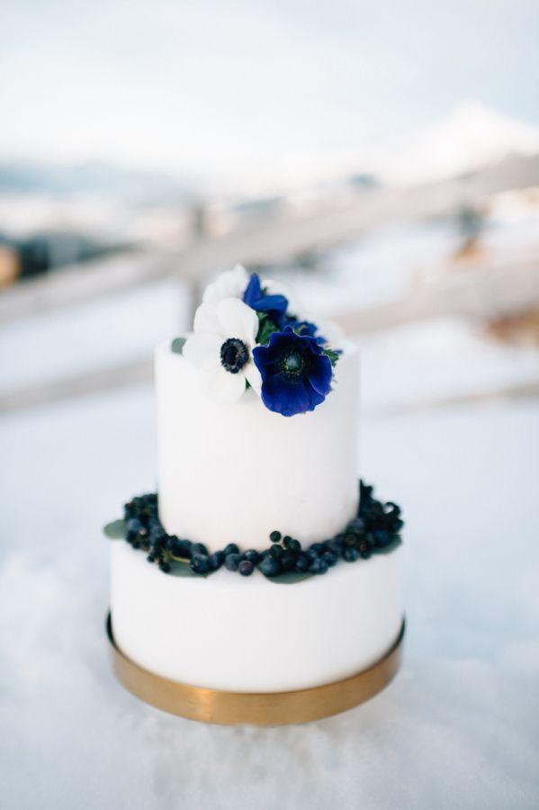 Свадьба - Beautiful Blues Winter Wedding Styled Shoot