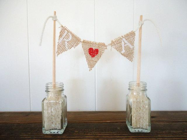Mariage - Cake Topper Custom Initials Burlap Triangle Pennant Flag Banner Bunting / Centerpiece for wedding reception monogram