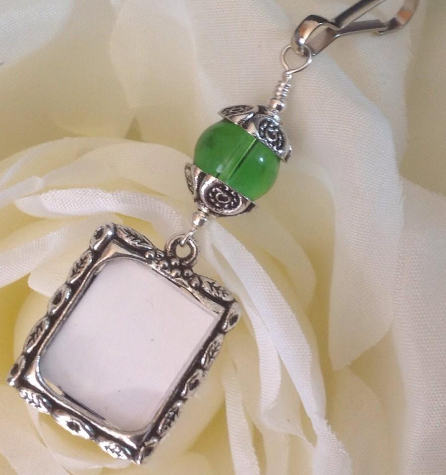 Wedding - Wedding bouquet memory charm. Emerald green photo charm. Bridal bouquet charm. Gift for the bride. Wedding keepsake. Picture for bouquet.