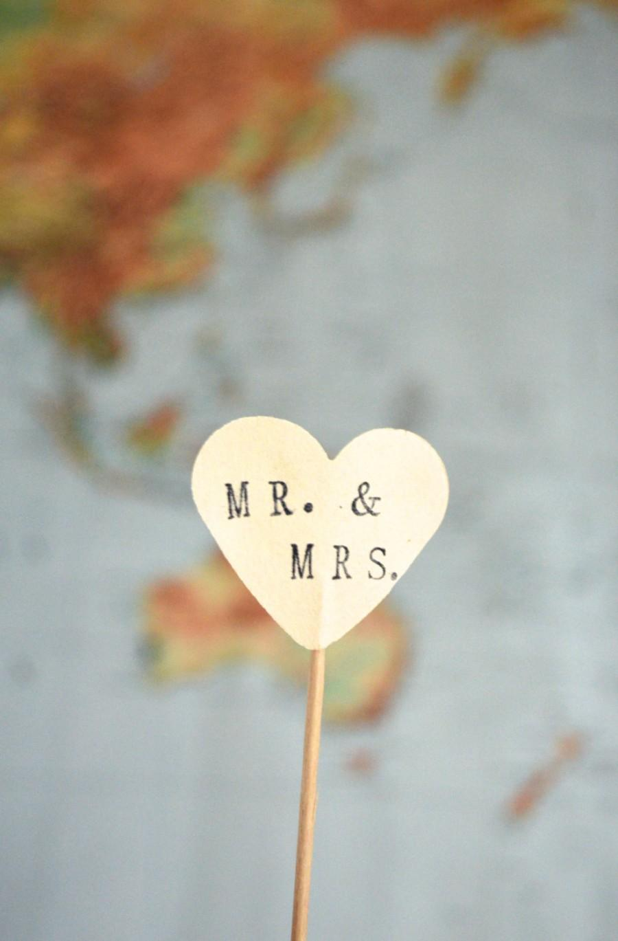 Hochzeit - MR. & MRS. cupcake toppers, 12 hand stamped picks - the ORIGINAL handstamped hearts in vintage, red, pink or white