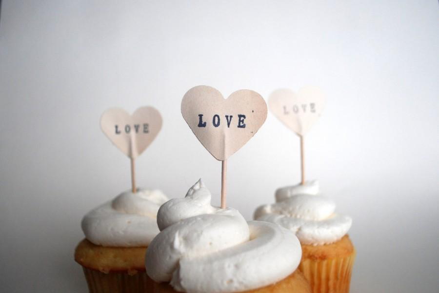 زفاف - 12 LOVE Heart Cupcake Picks, hand stamped - the ORIGINAL handstamped hearts in vintage, white, pink or red