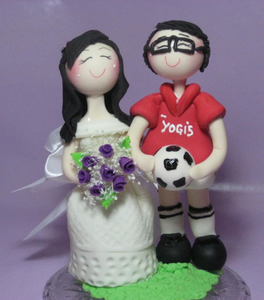 Hochzeit - Soccer cake topper, custom wedding cake topper, sports wedding cake topper