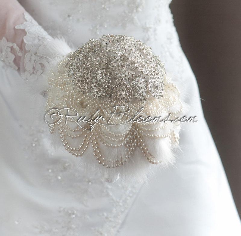 "Свадьба - Crystal Pearl Rhinestone Wedding Brooch Bouquet. ""Pearly Delight"" Art Deco Winter Wedding, Bridal Broach Bouquet, by Ruby Blooms Weddings"