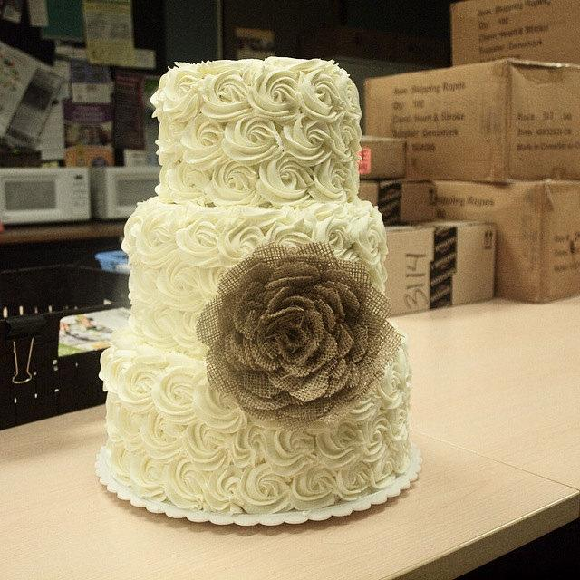 Boda - Burlap rose flower wedding cake topper/decor. other colors available.